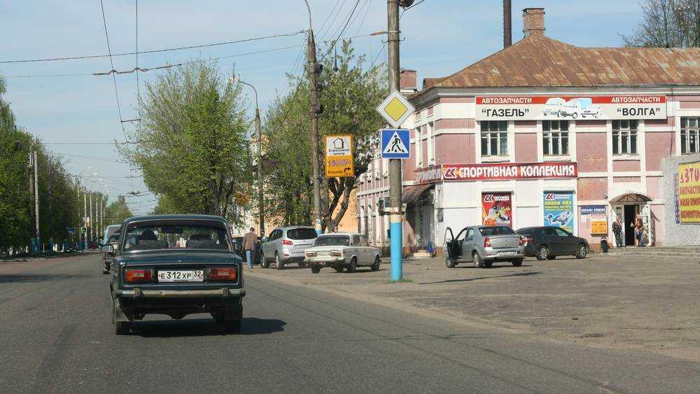 В Брянске до 6 полос расширят отрезок дороги на улице Ульянова