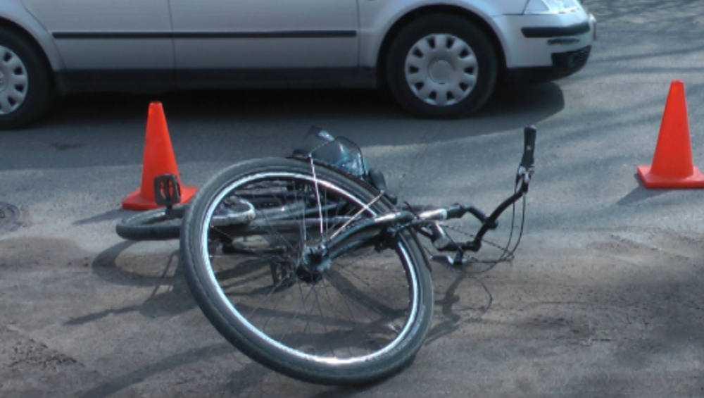 В Трубчевске пенсионер-велосипедист в ДТП едва не остался без глаза