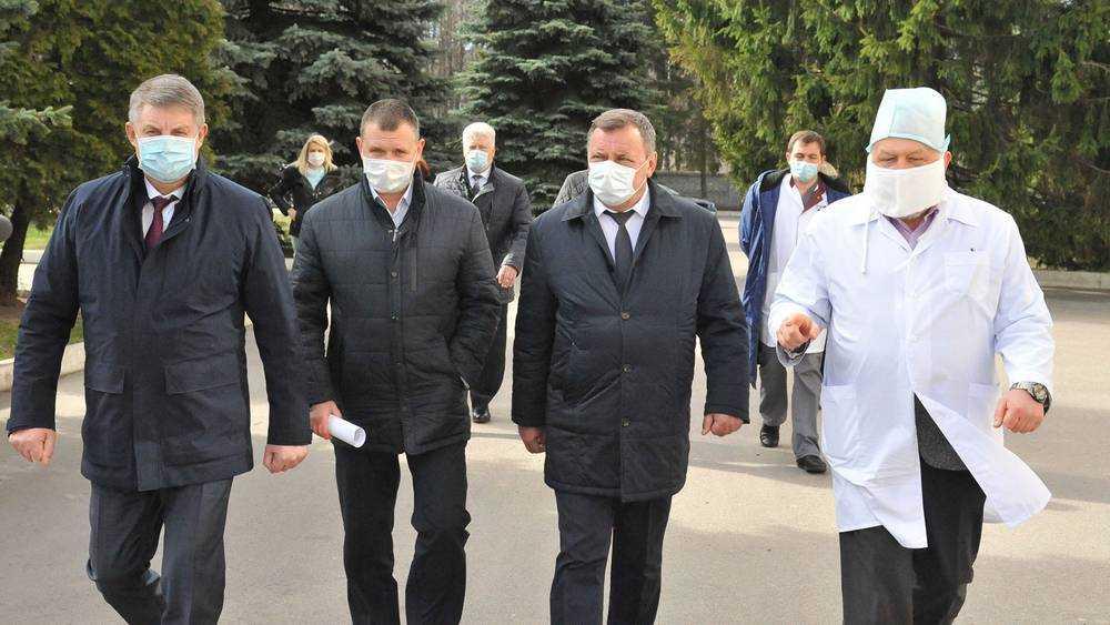 Борющимся с коронавирусом брянским врачам выплатят 146,5 млн рублей