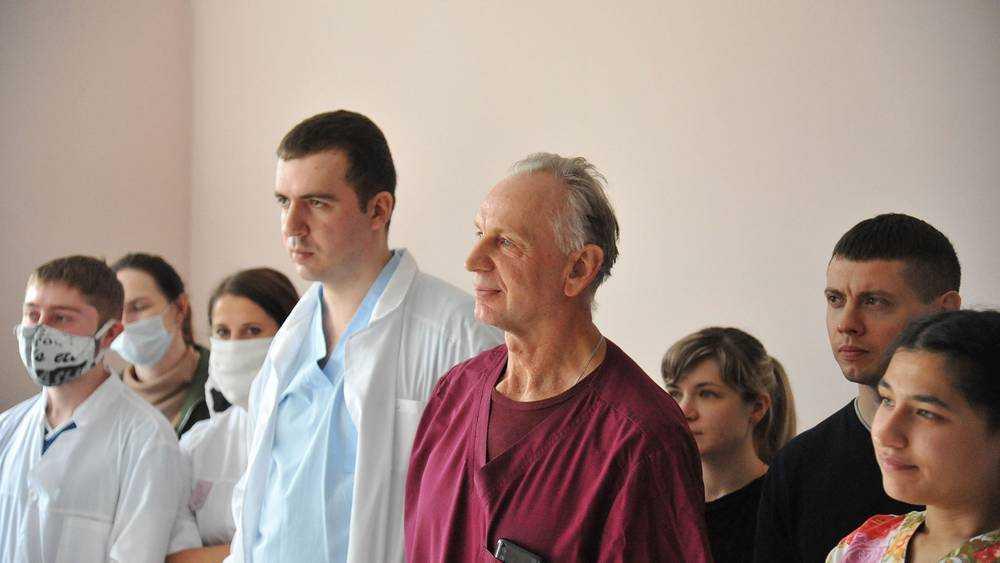 Российские медики, борющиеся с коронавирусом, получат продуктовые наборы