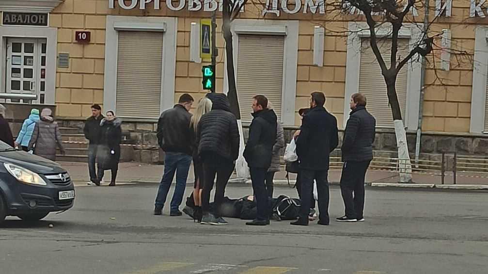 В Брянске на проспекте Ленина легковушка сбила пешехода