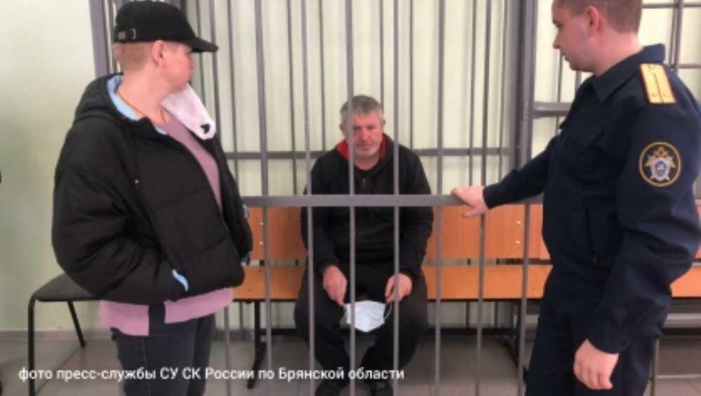 Жителя Брянска арестовали за убийство мужчины возле гаражей