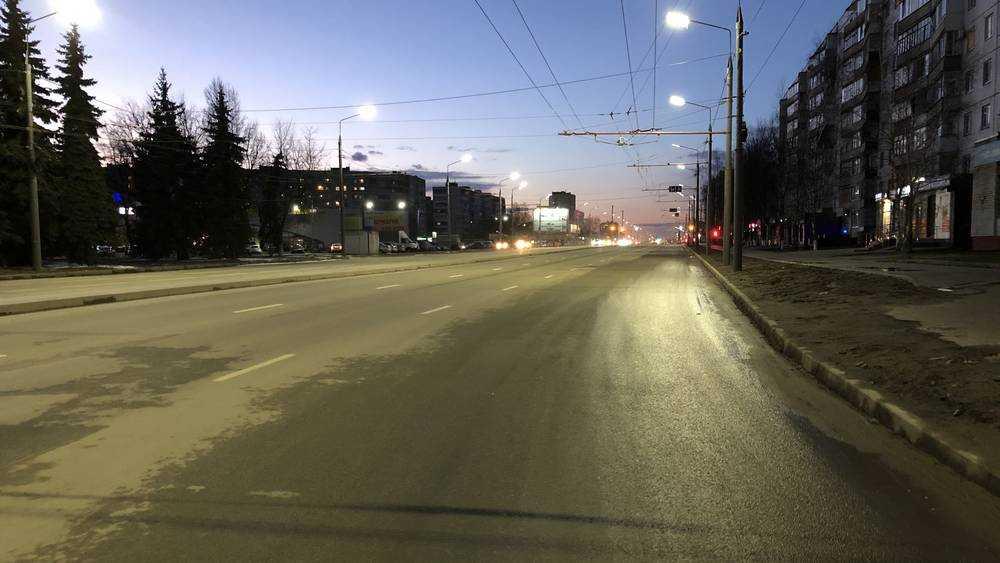 В Брянске Авиационная улица стала гоночной трассой