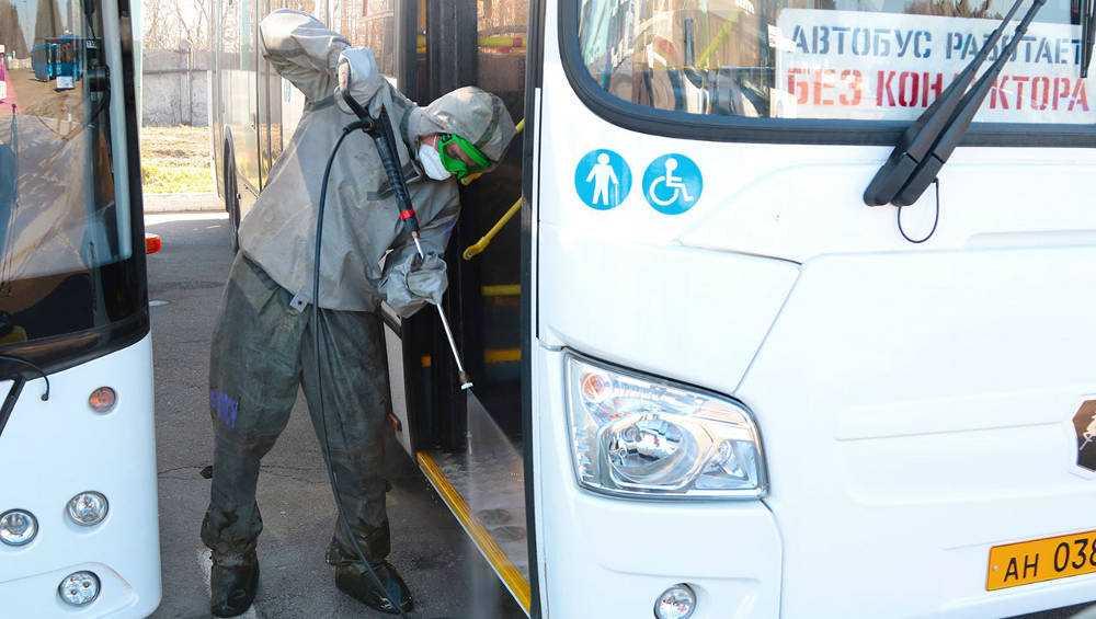 В Брянске продезинфицировали городские автобусы