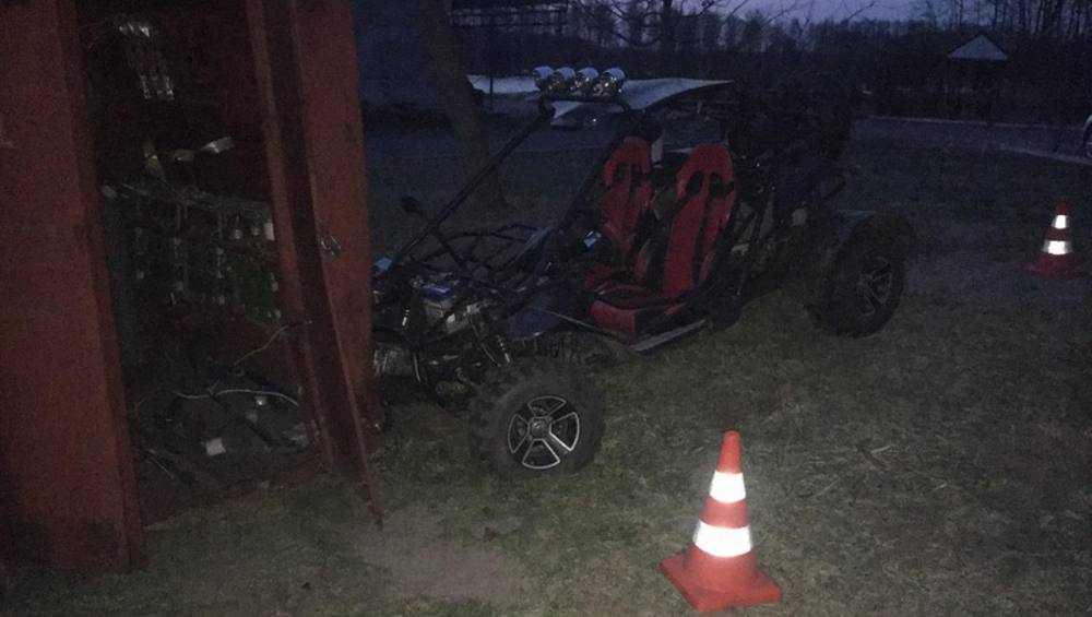 На Белобережской турбазе подростки на багги врезались в трансформатор