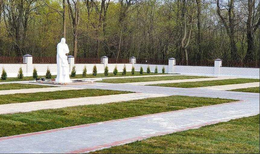 В Мичуринске подошла к финалу реконструкция мемориала Воинской славы