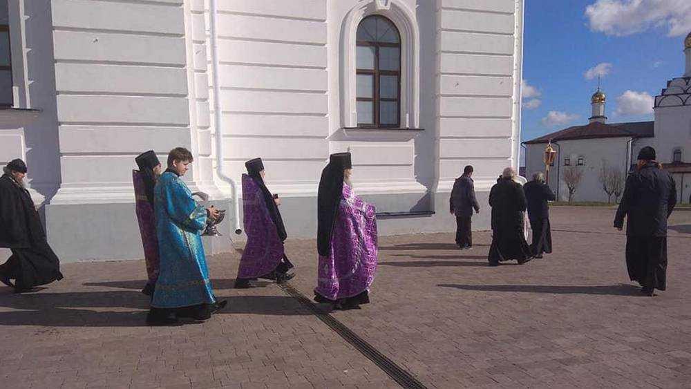 В брянском монастыре совершили молебен о прекращении морового поветрия