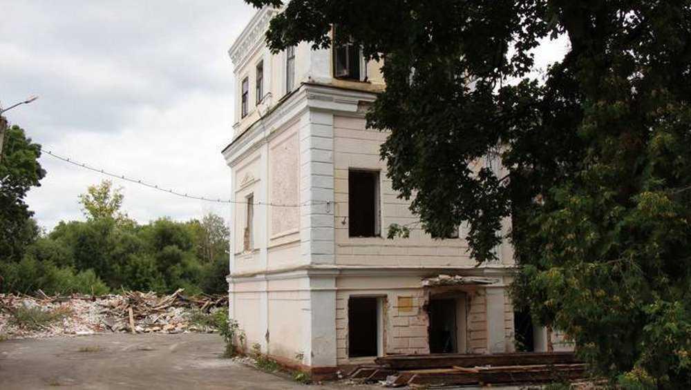 Суд обязал восстановить снесенный особняк Баженовых в Брянске