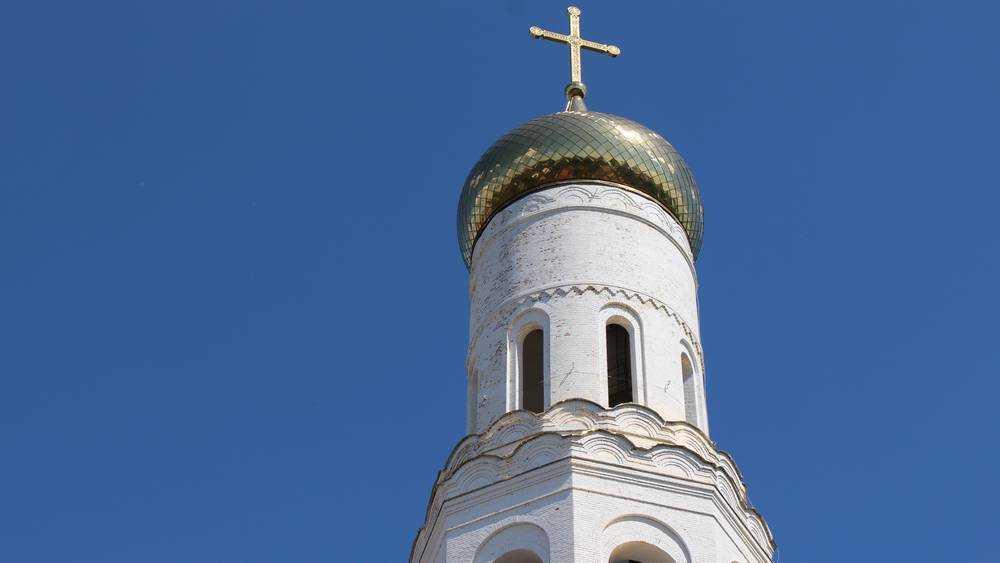 Священник призвал брянцев побыть на Радоницу дома