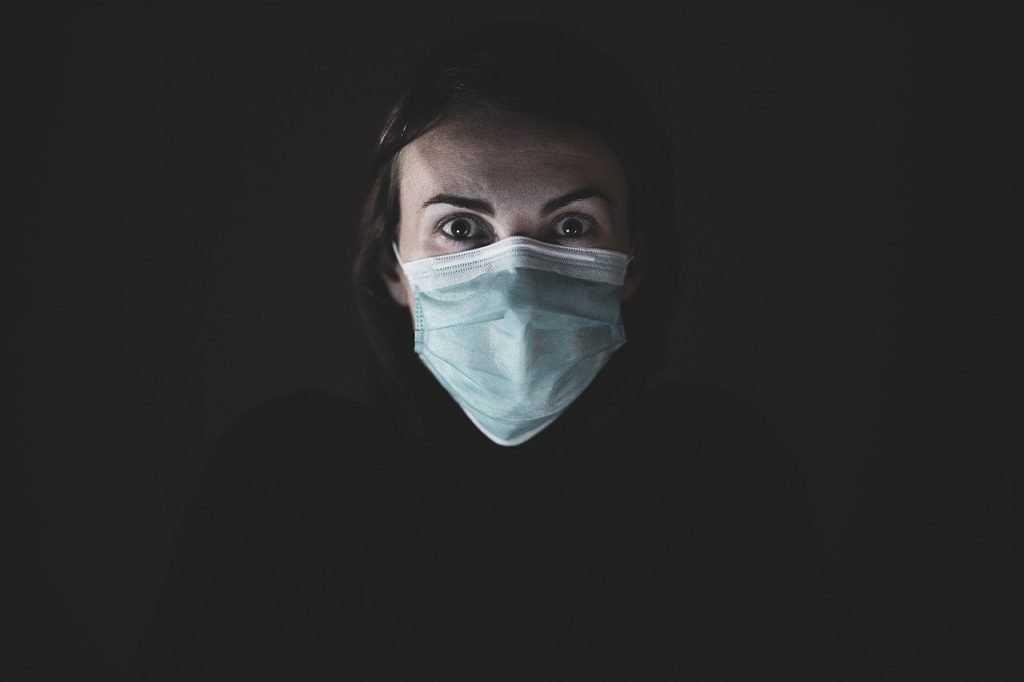 Академик назвал новый срок окончания пандемии коронавируса в России