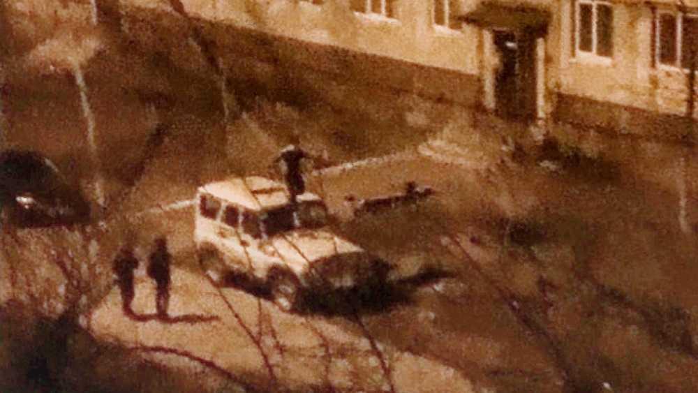В Брянске подростки устроили ночные пляски на крыше поискового УАЗа