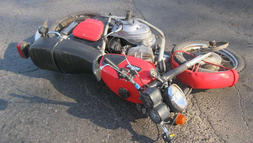 Под Клинцами разбился насмерть мотоциклист