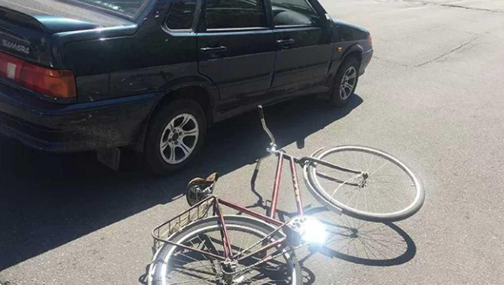 В Суземке не поделили дорогу пенсионерки на автомобиле и велосипеде