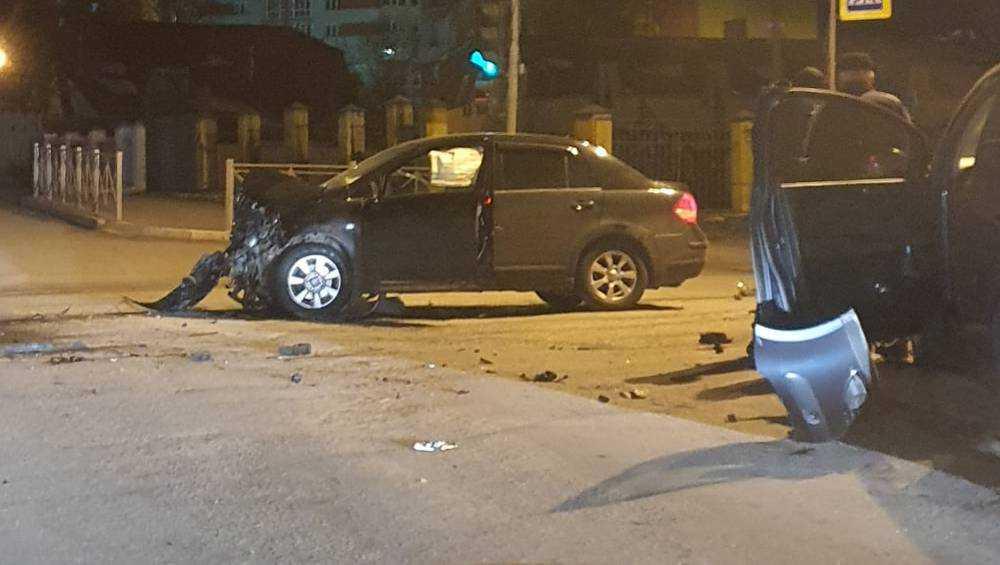 В Брянске в ночном ДТП на Фокина пострадала 20-летняя автомобилистка
