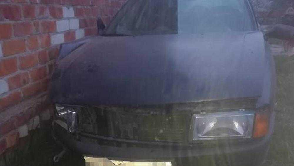 В Новозыбкове удиравший от полиции пьяный водитель наехал на дом