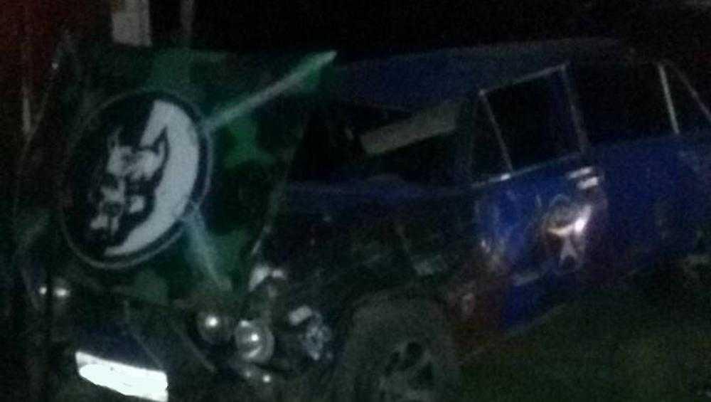 В Климове пьяная компания на автомобиле врезалась в гараж