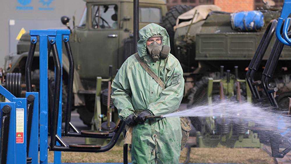 Военные провели специальную обработку объектов в Брянской области