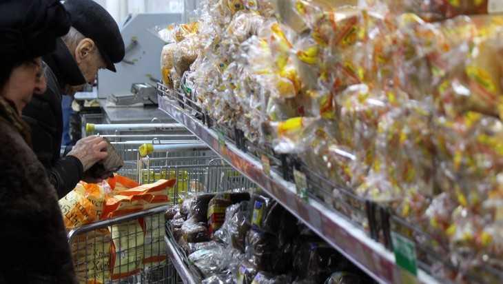 В Брянске хлебный магазин нарушил все правила самоизоляции
