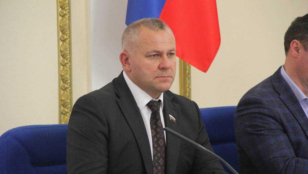 Брянский депутат Госдумы Валентин Суббот сложил полномочия