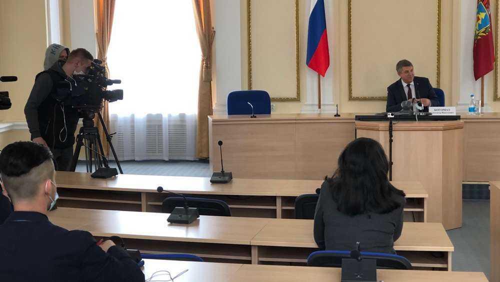 Губернатор рассказал о лечении не заражённых коронавирусом брянцев
