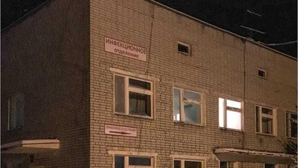 В больницу Новозыбкова попали трое приехавших из Москвы