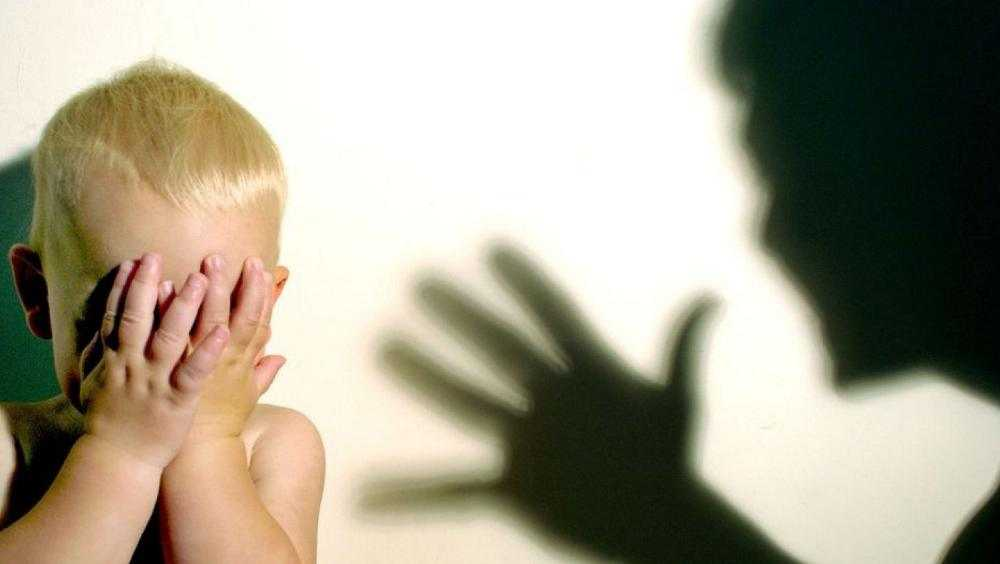 В Брянске за избиения двухлетнего ребенка осудили горе-папашу