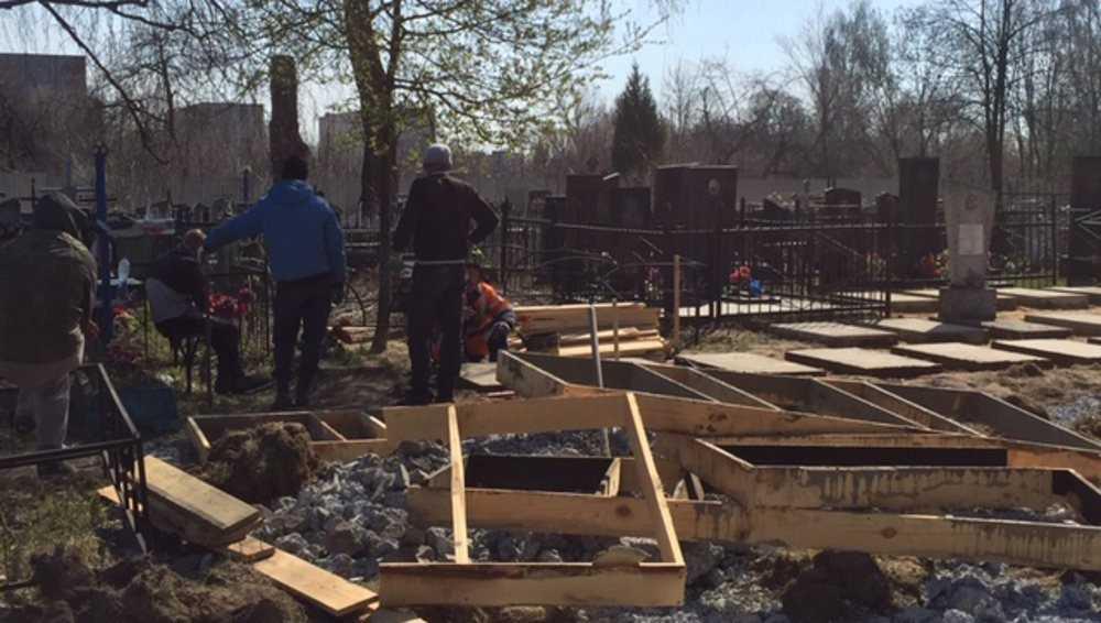 В Новозыбкове начали восстанавливать воинские захоронения