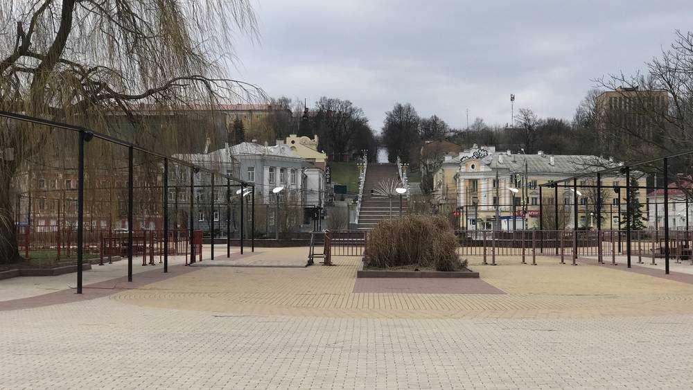 Пустынным улицам Брянска обрадовались только фотографы