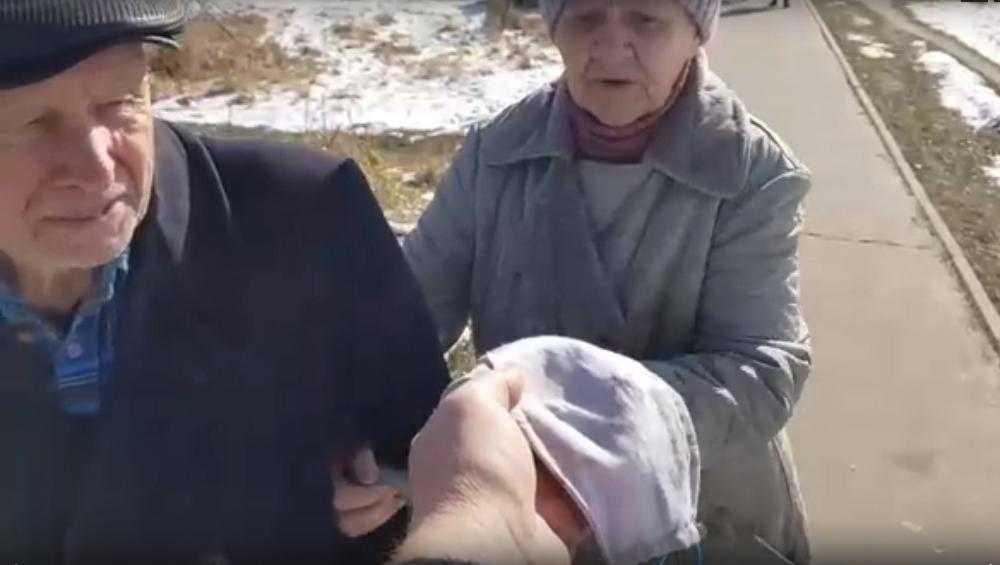 В Белых Берегах жители сами взялись за шитье и раздачу защитных масок