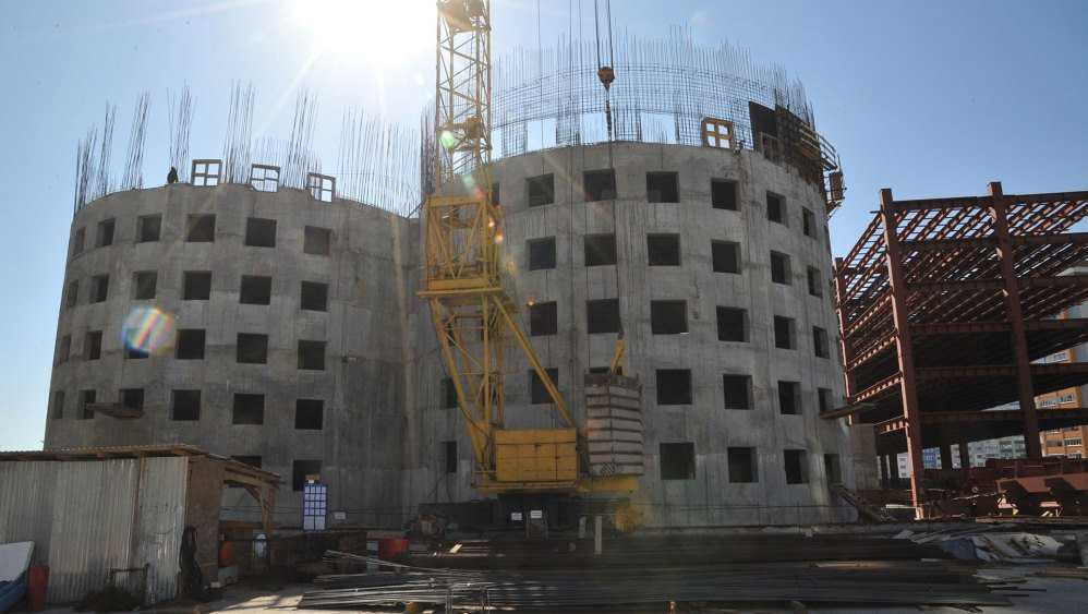 ТРЦ «МегаГринн» в старом аэропорту Брянска достроят за три года