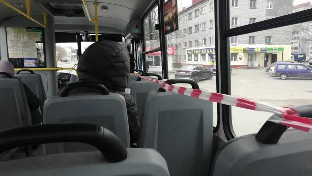 В брянском автобусе из-за коронавируса сократили количество сидячих мест