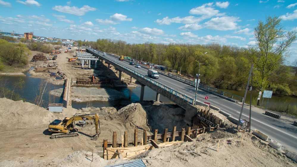В Брянске на Литейном мосту начнут укладывать первые балки