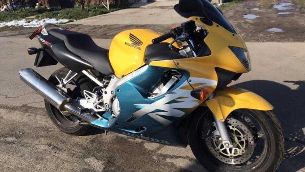 В Новозыбкове у девушки украли шикарный мотоцикл Honda