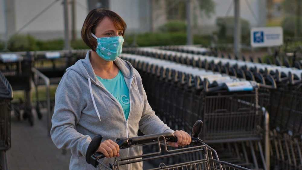 В Брянске устроили облавы на продавцов и покупателей без масок