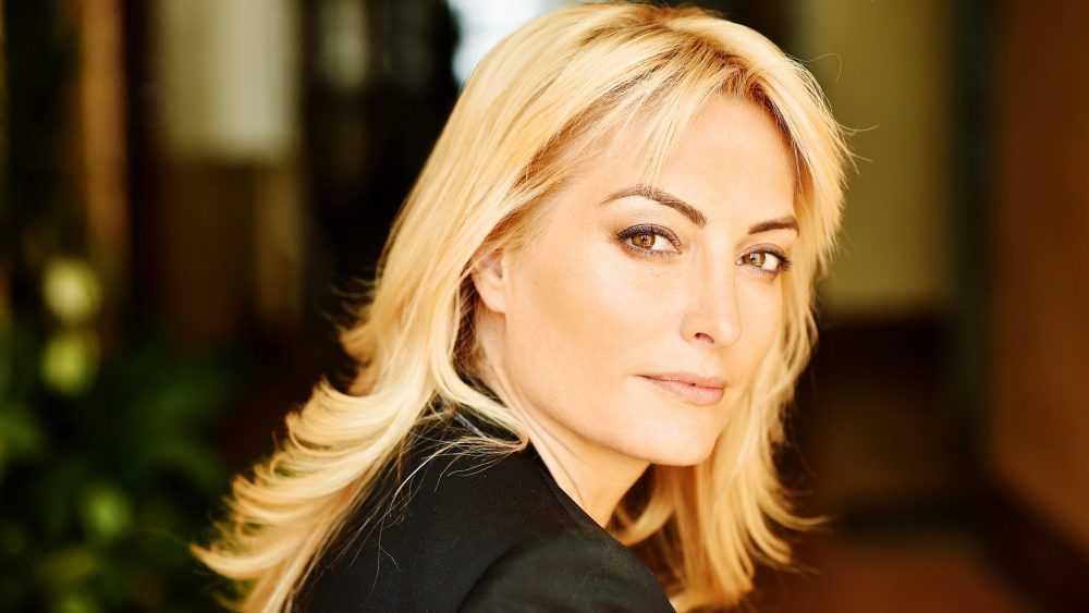 Известную актрису порадовало приобретение для брянцев аппаратов ИВЛ