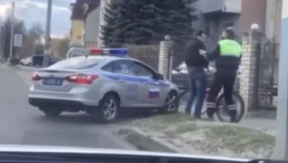 В Брянске полицейские устроили погоню за велосипедистом