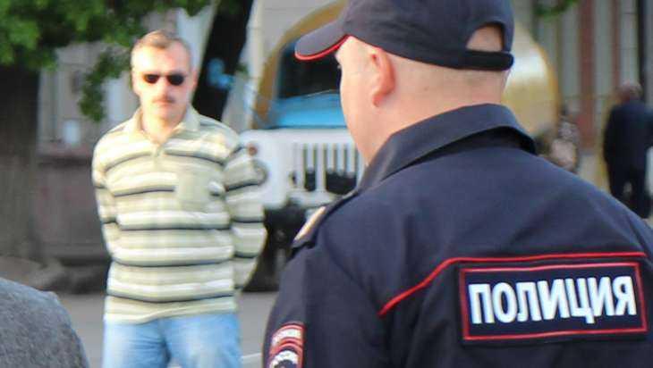 Житель Брянска пошел под суд за удар кулаком участкового