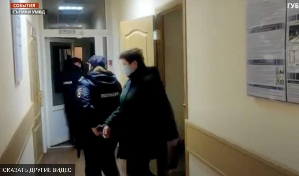 В Брянске оставили под стражей обвиненного в коррупции полковника