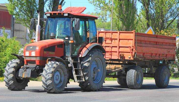 Под Брянском погиб выпавший из трактора 54-летний мужчина