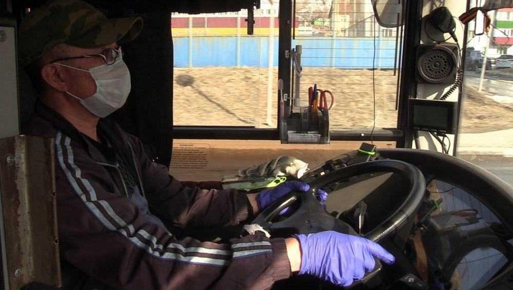 Брянских водителей и кондукторов обязали надеть маски