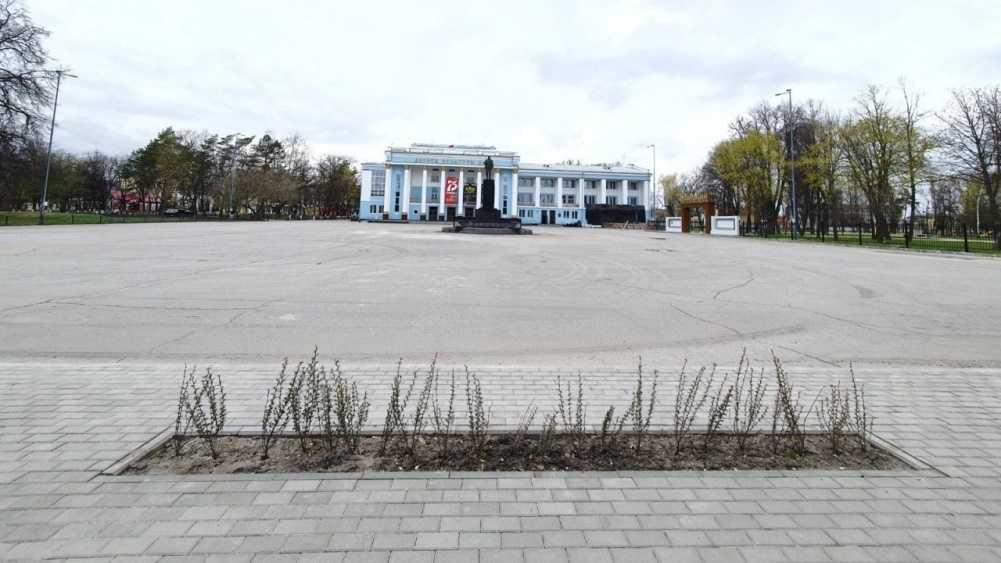 В Брянске площадь возле ДК БМЗ взяли под видеонаблюдение
