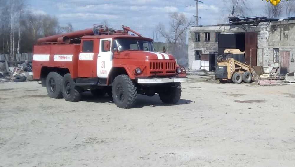 В Навле сгорело частное производственное здание