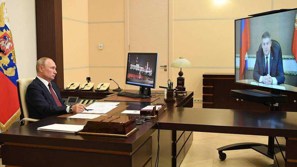 О чем Путин говорил с губернатором Брянской области Богомазом