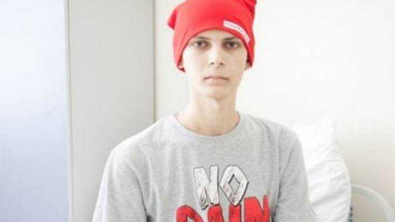 В Брянске попросили собрать деньги на спасение 21-летнего парня