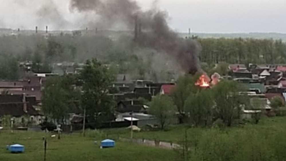 В Брянске потушили пожар на улице Дружбы