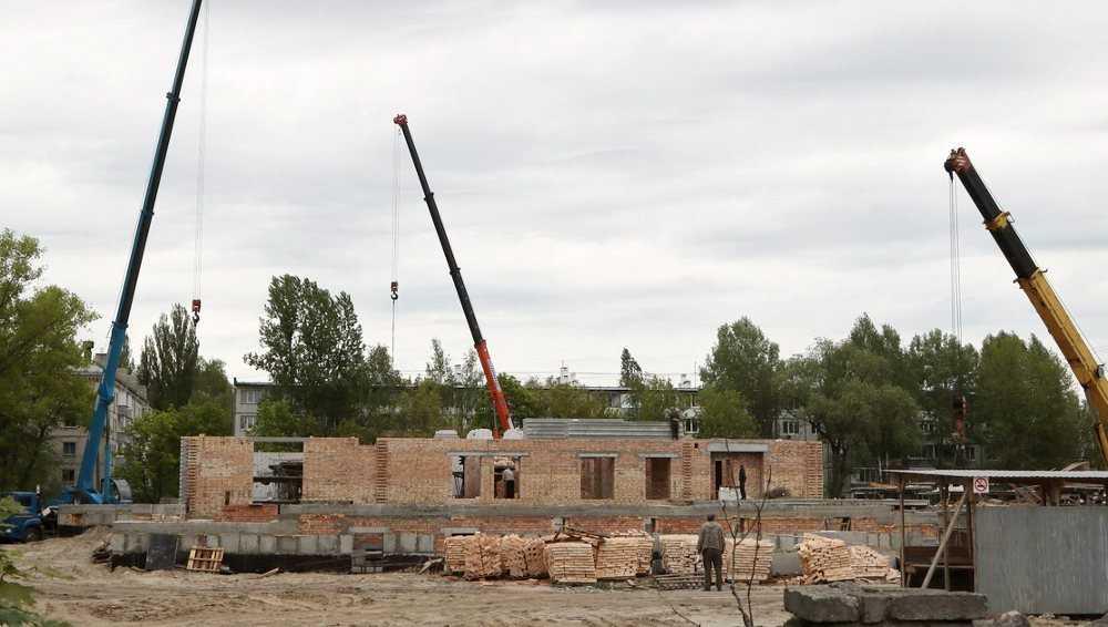 Бассейн в Бежицком районе Брянске пообещали сдать до конца года