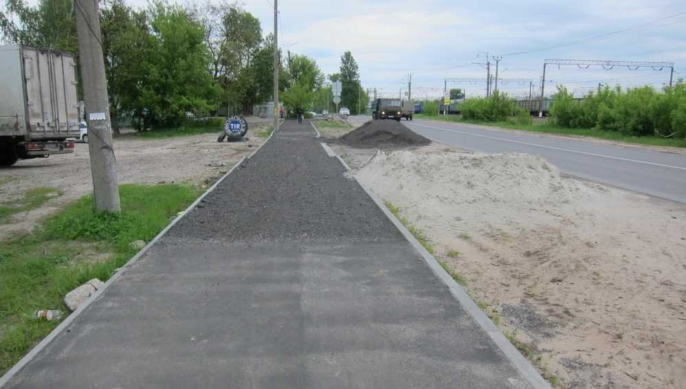 В Брянске приступили к завершению ремонта дороги на улице Белорусской