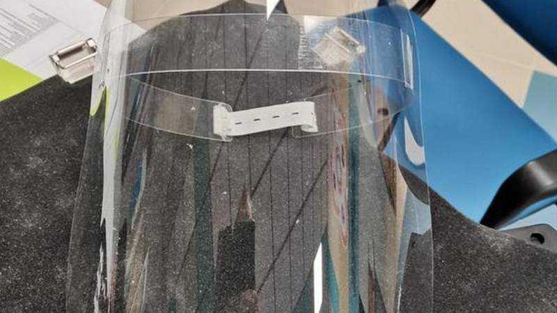Ребята из брянского «Кванториума» изготовили защитный экран для врачей