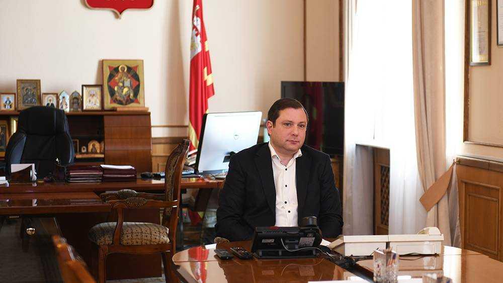 Смоленского губернатора попросили построить дорогу до брянского села