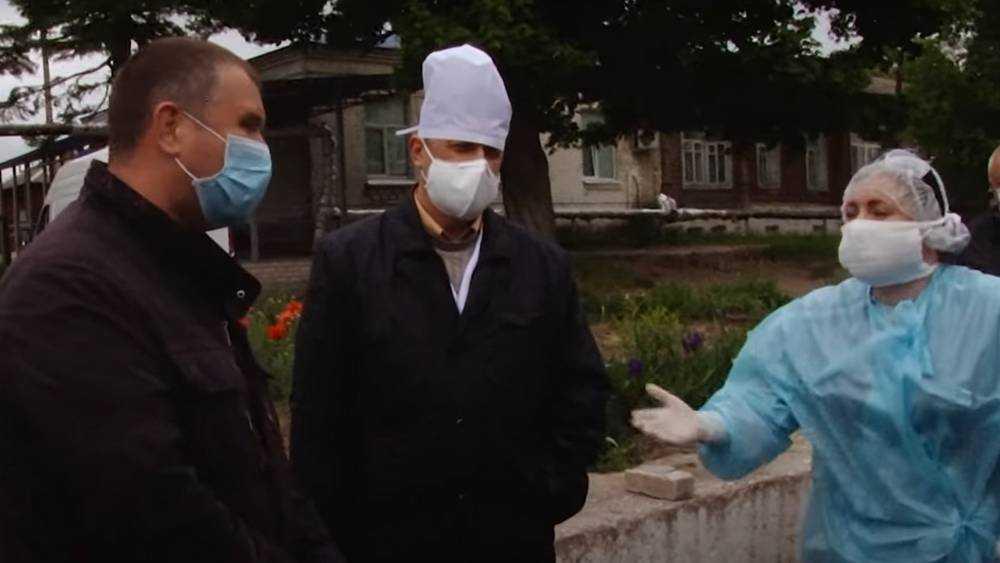 С недовольными медиками в Новозыбкове встретился Андрей Бардуков